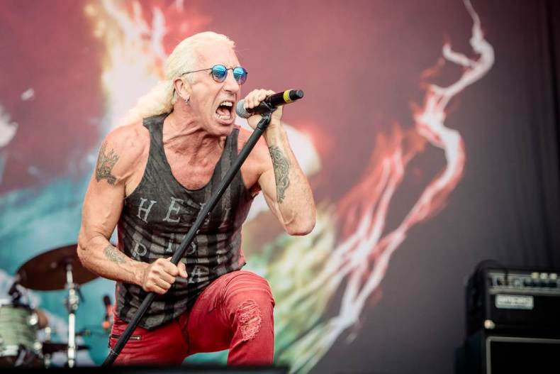 "Dee Snider - Dee Snider Recalls METALLICA Opening For TWISTED SISTER: ""We Wore Makeup, They Didn't"""