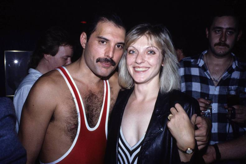 Freddie Mercury - Reliable Source Reveals New Details On FREDDIE MERCURY's Personal Life After QUEEN Became Successful