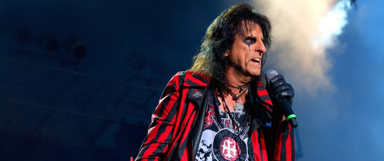 Alice Cooper - Legendary ALICE COOPER Says He Is Not Scared Of Contracting Coronavirus