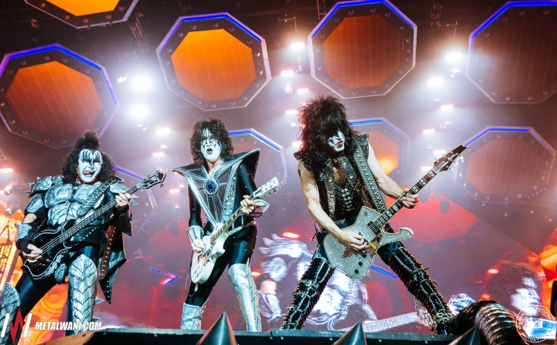 KIss Hellfest 2019 17 - Tommy Thayer Recalls The Moment When KISS Replaced Ace Frehley With Him