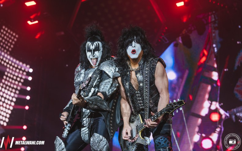 Paul Stanley gene Simmons - Guitarist Paul Stanley on Why KISS Is Far Beyond Typical Legendary Rock bands
