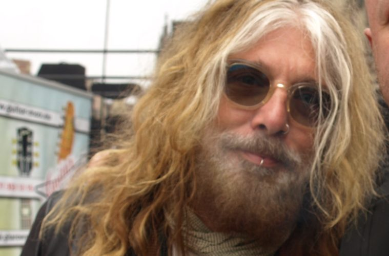 "john corabi - John Corabi Calls Himself The Other Singer For MÖTLEY CRÜE: ""I'm Still Here, 25 Years Later"""