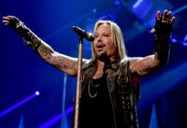vince neil - Vince Neil's Gf Shares New Photos Of MOTLEY CRUE Singer While Getting In Shape