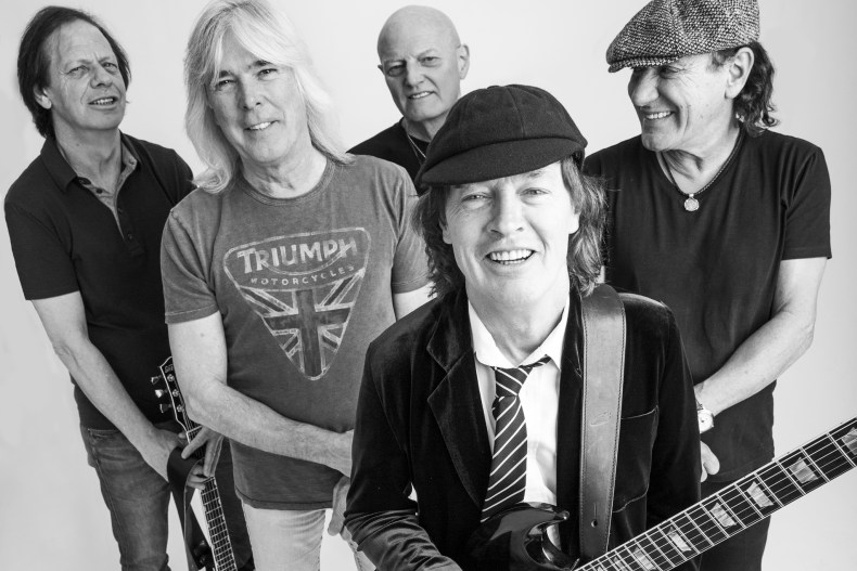 ACDC - Industry Source Confirms AC/DC New Album & Massive Stadium Tour Worldwide
