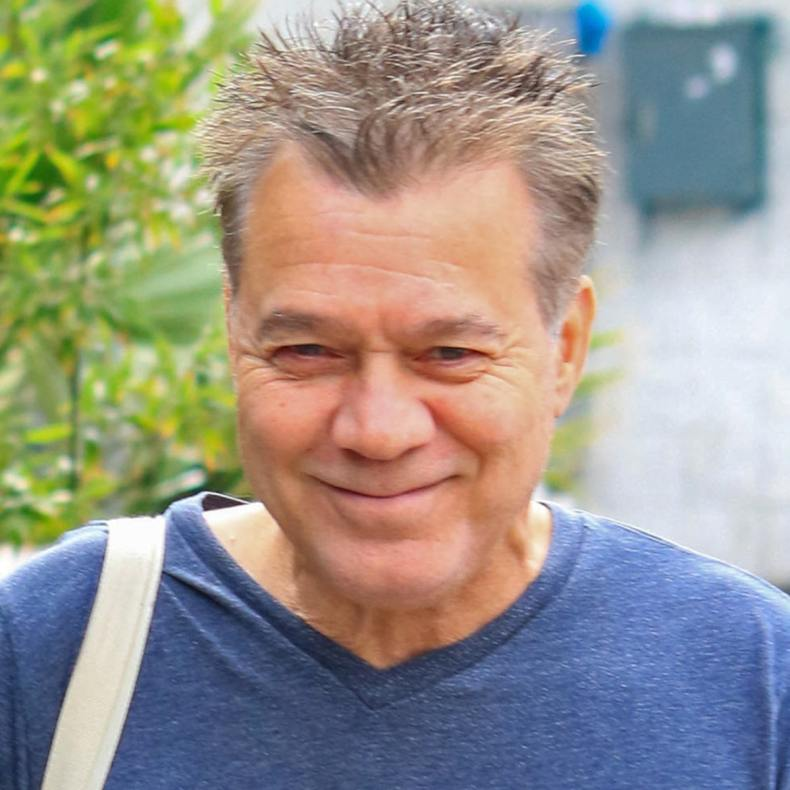 Eddie Van Halen - Amid Battling Cancer, Eddie Van Halen New Photo Has Made VAN HALEN Fans Happy