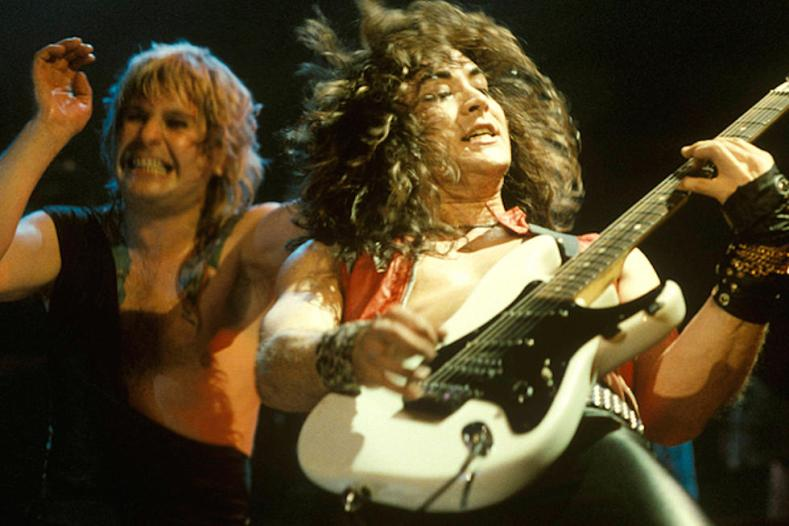 Ozzy Osbourne Jake E. Lee - Jake E. Lee Recalls Sharon Osbourne Saying OZZY's Band Can't Look Like METALLICA