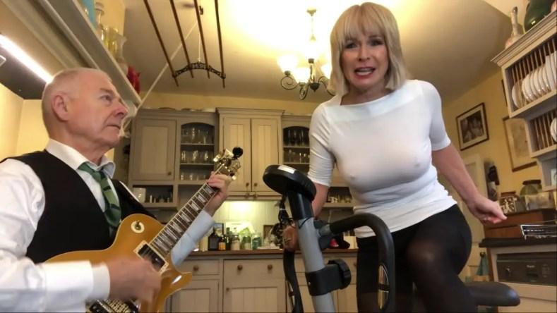 Robert Fripp Toyah Willcox - Here's KING CRIMSON's Robert Fripp & His Wife Toyah Playing Iconic METALLICA Song