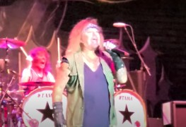 """Vince Motley - Fans on Recent VINCE NEIL Show at Summerfest: """"Awful. He Sounds Bad"""""""