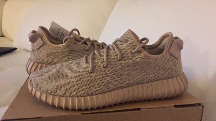 "Adidas Yeezy Boost ""Oxford Tan"" - Wikipedia"