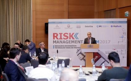"""Bakıda """"Maliyyə sektorunda informasiya texnologiyaları risklərinin idarəedilməsi"""" forumu keçirilir (FOTO)"""