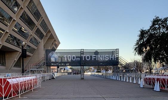 BMW Dallas Marathon Race Review, final 100m sign