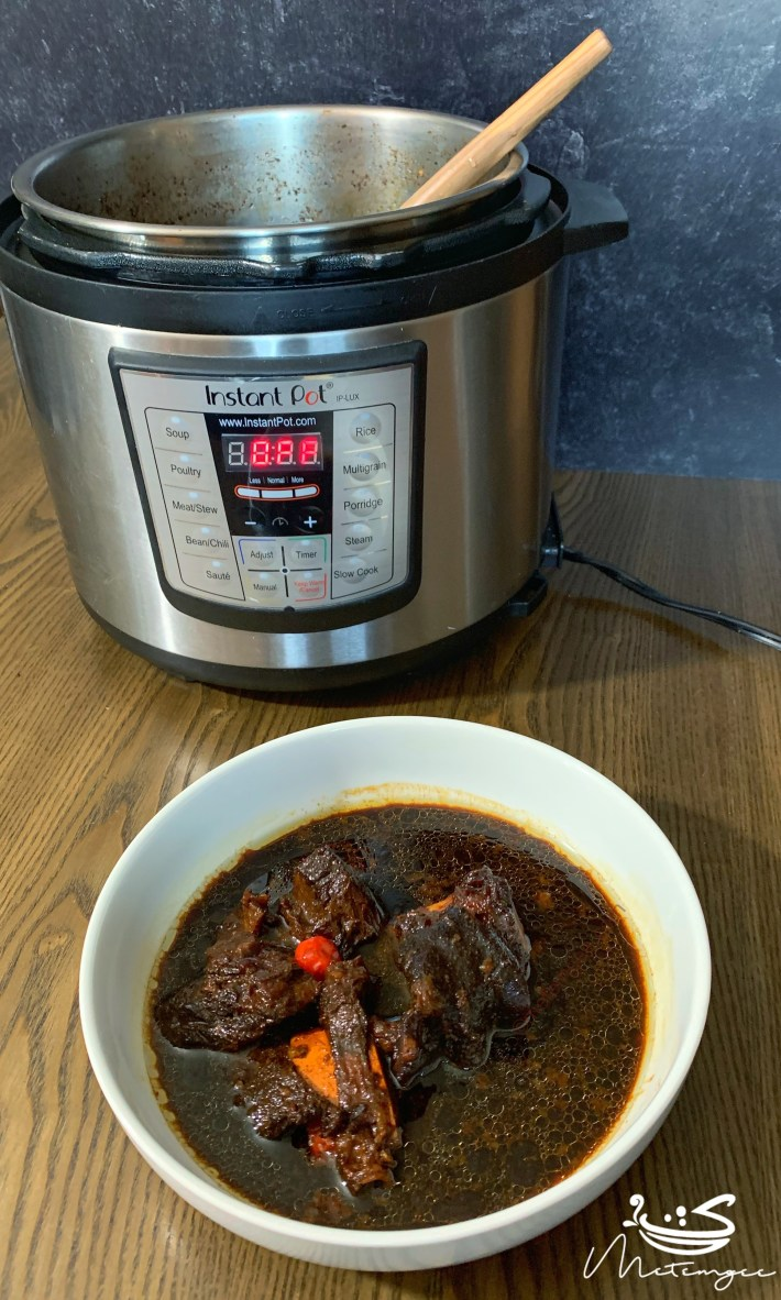 Picture of pepperpot in an instant pot