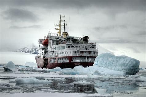 File:Icebreaker Polar Star somewhere on the Antarctic ... commons.wikimedia.org