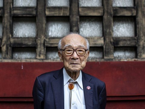 As Japan marks 75 years since the devastating attacks on Hiroshima and Nagasaki, the last generation of nuclear bomb survivors are working to ensure their message lives on after them. Terumi Tanaka, 88, was 13 when the bomb hit his hometown of Nagasaki. (Photo: Behrouz/Mehri/AFP via Getty Images)
