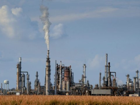 A refining plant in West Baton Rouge Parish, Louisiana. New research indicates that industrial air pollution may explain the disproportionate rate of coronavirus deaths in West Baton Rouge and other parishes in the state's chemical corridor. (Patrick Dennis/The Times-Picayune and The Advocate)