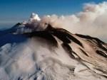 El volcán Etna en erupción (video)