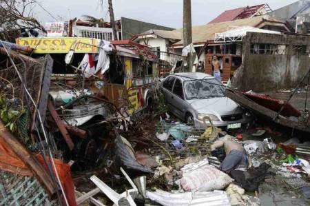 Tifon-Hayian-muertos-Filipinas-AP_CLAIMA20131110_0136_14
