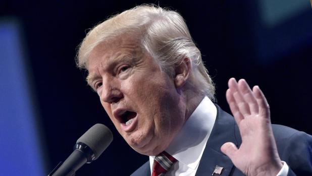"""Ante la presión de la comunidad científica Donald Trump comienza a aceptar que el cambio climático no es """"un cuento chino"""""""
