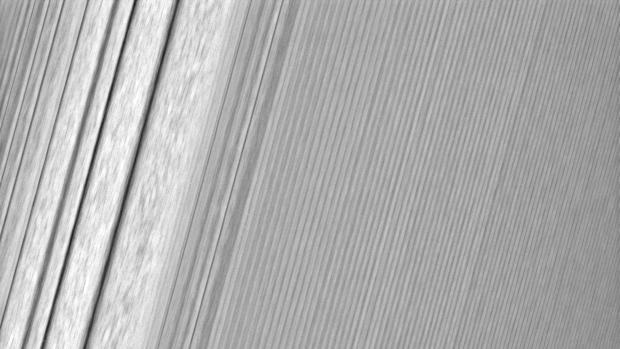Cassini captura los anillos de Saturno a 134.500 km de distancia, como nunca antes visto!