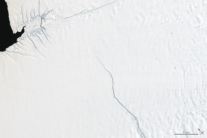 Las grietas que crecen en la plataforma de hielo Brunt de la Antártida están preparadas para liberar un iceberg con un área de aproximadamente el doble de tamaño que la ciudad de Nueva York