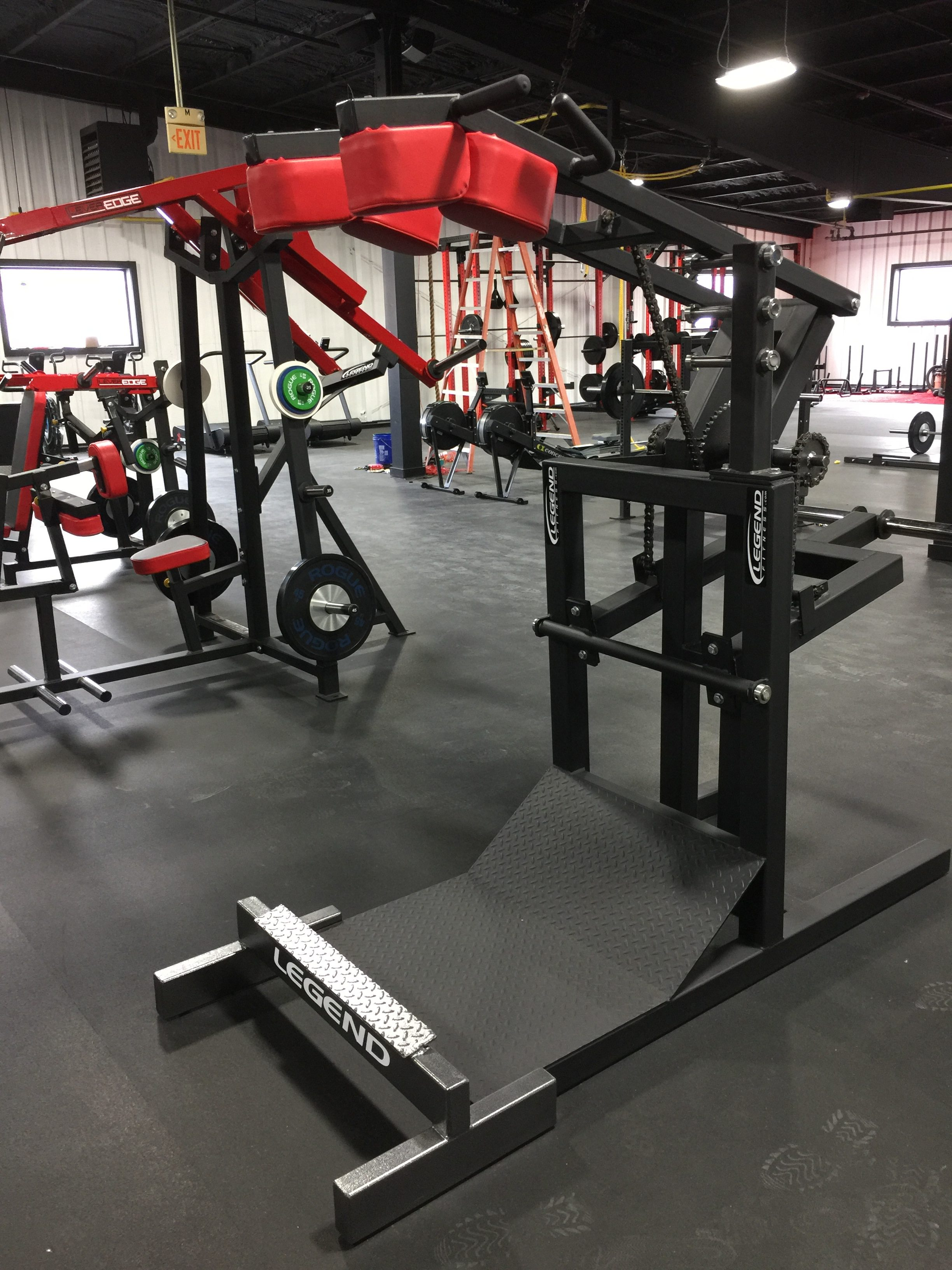 Squat Machine with Calf Blaster