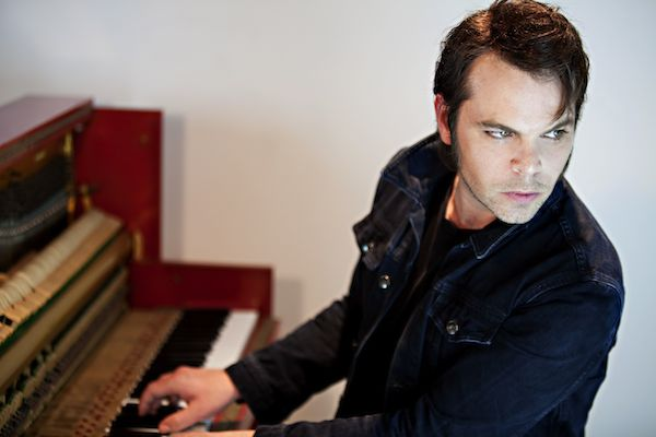 Gaz Coombes portrait photographed by Oxfordshire and London based photographer Andrew Ogilvy photography