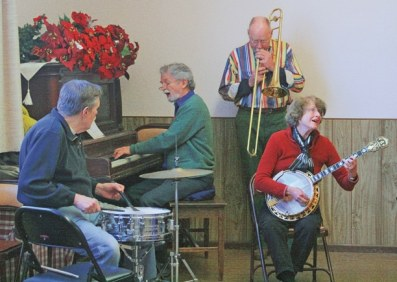 The band, from left: Don Mendro, Bill Hottell, Kyrie Jardin and Diana Hottell. Photo by Marcy Stamper
