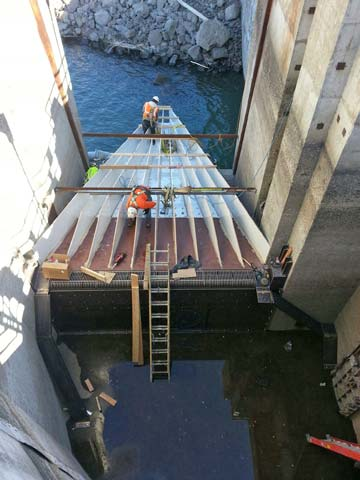 Wanapum Dam fish ladder. Photo courtesy Public Utility District No. 2 of Grant County, Washington. All rights reserved.