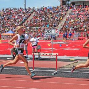 Claire Waichler takes fifth in the 3,200 meters.Photo by Lauren Fitzmaurice