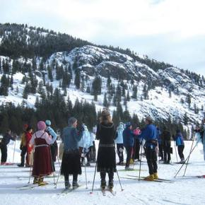 Photo by Don Nelson Skiers organized teams for a relay.