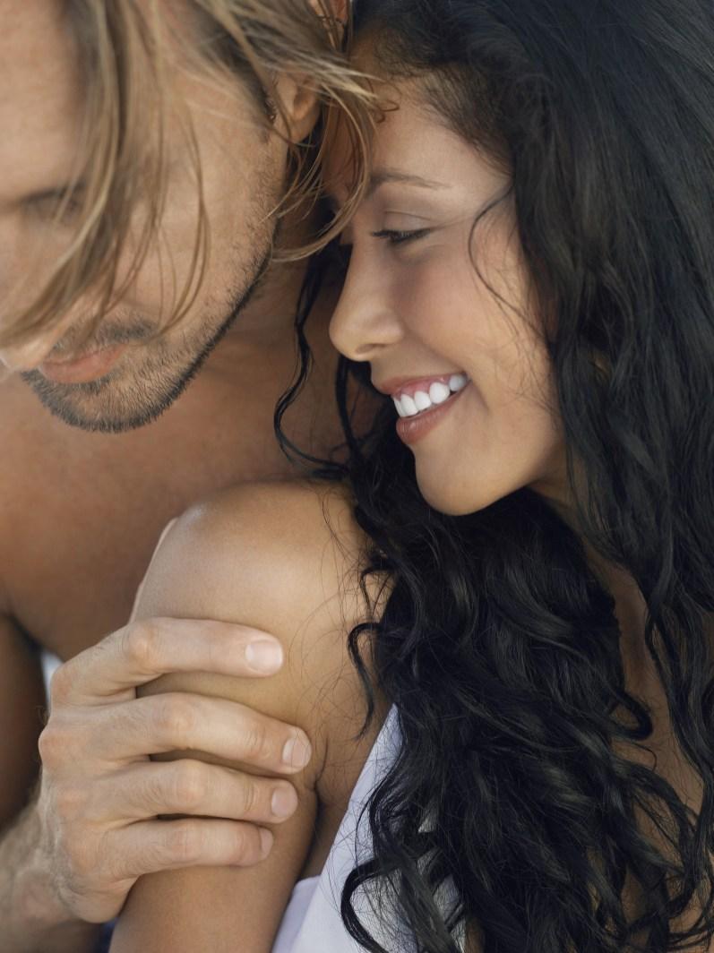 WEDDING ENGAGEMENT ROMANCE COUPLE EMOTIVE COUNTRYSIDE & BEACH LOCATIONS 007871 (Custom)