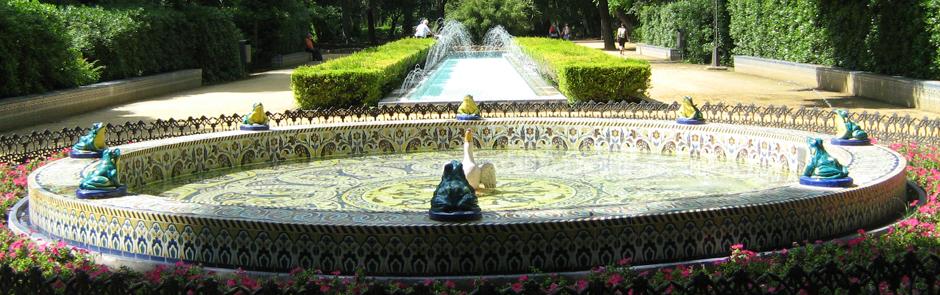 Reintegración, suministro y realización de azulejos  en la fuente de las ranas. Parque de María Luisa. Sevilla.