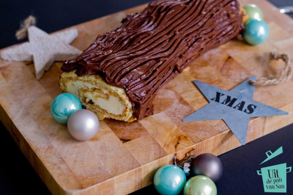 buche-de-noel-carrot-cake