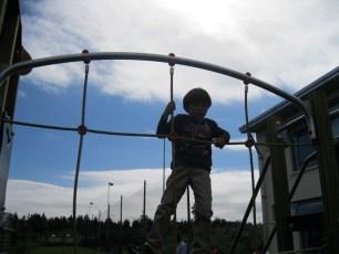 playground-and-leak-sept-2012-007-800x600