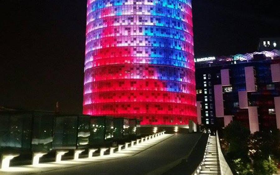 You are currently viewing Torre Glories – Ο φωτισμένος ουρανοξύστης της Βαρκελώνης, γράφει η Έφη.