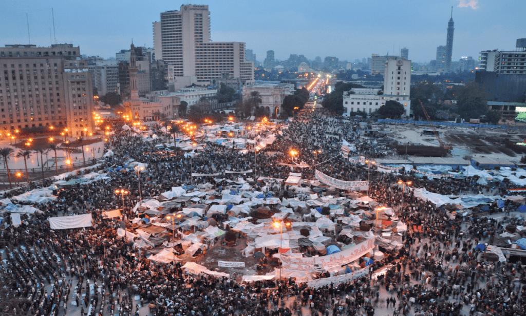 من مظاهرات ميدان التحرير، فبراير/ شباط 2011 (تصوير: Jonathan Rashad)