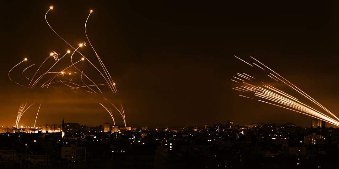 """أذرعُ المقاومةِ الطويلةُ.. عن صواريخ """"سيف القدس"""""""