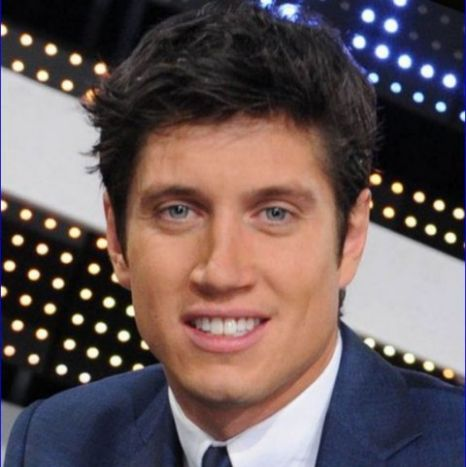 Vernon Kay hosts the returning Family Fortunes.