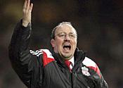 Liverpool boss Benitez holds crisis talks over Anfield future