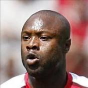 Gallas injury scuppers Wenger plan