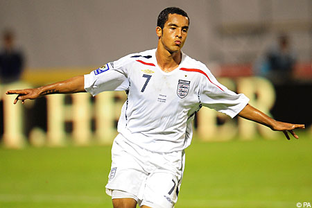 Theo Walcott will bide him time before reclaiming his England place