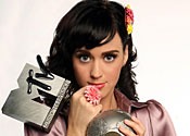 Katy Perry to perform in London store