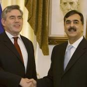 Brown seals Pakistan terrorism pact