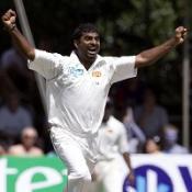 Sri Lanka repel Bangladesh charge