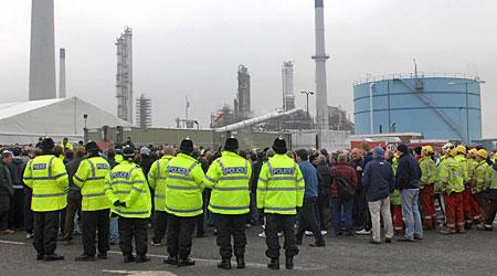 lindsey oil protest