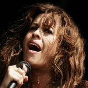 Alanis Morissette in no rush to wed