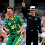 Botha frustrates Australia