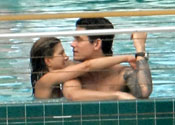 Love blow for Aniston as Mayer dates model