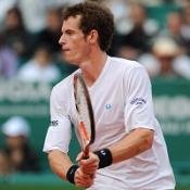 Murray cruises into second round