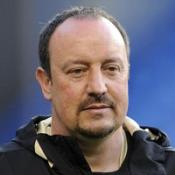 Benitez must fight to keep Alonso